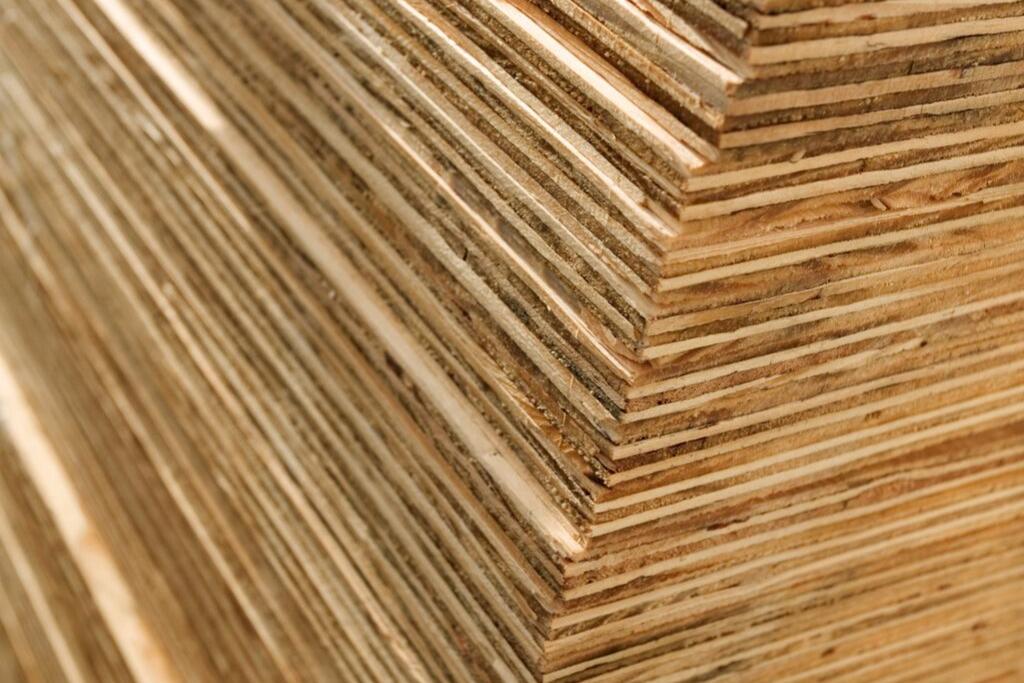 Cửa gỗ nội thất với chất liệu Plywood với độ bền cao, phù hợp với thời tiết Việt Nam