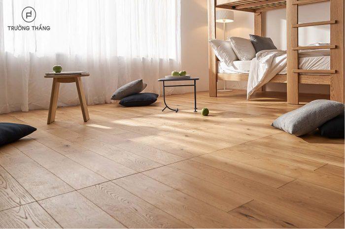 truong-thang-san-go-engineered-natural-oak-1